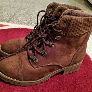 NWOT Brown combat boots Target size 6 1/2